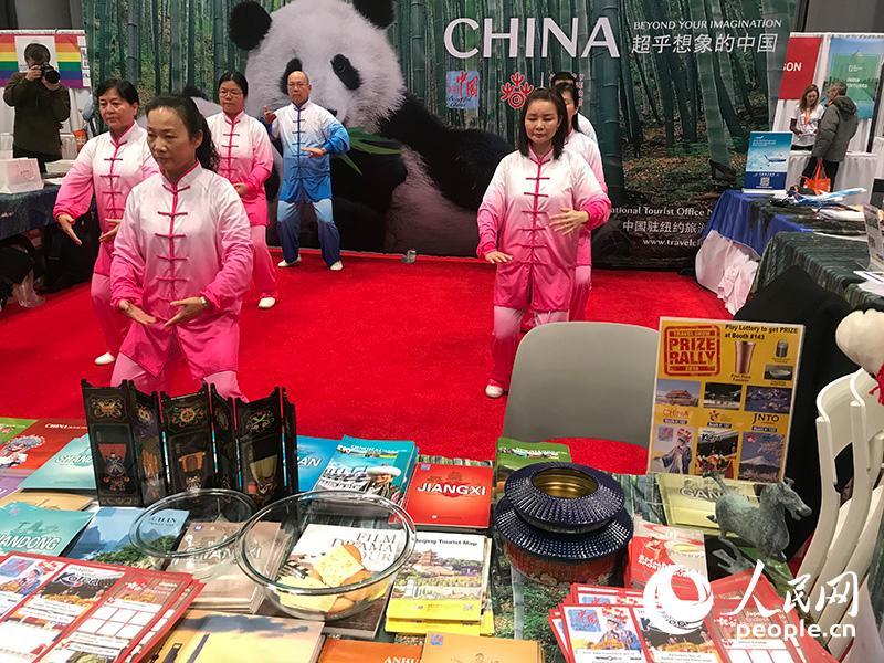 """""""美丽中国-欢乐春节""""国家品牌亮相纽约时报旅游展"""