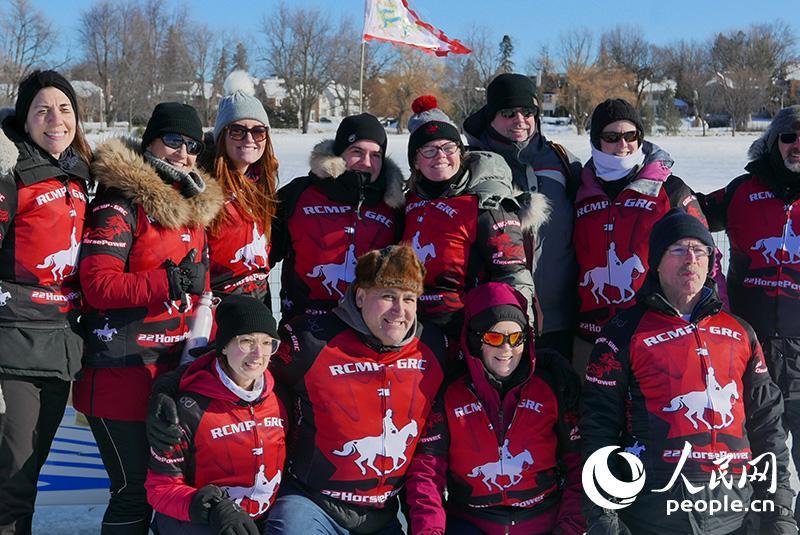 渥太华举行第三届冰上龙舟赛【6】