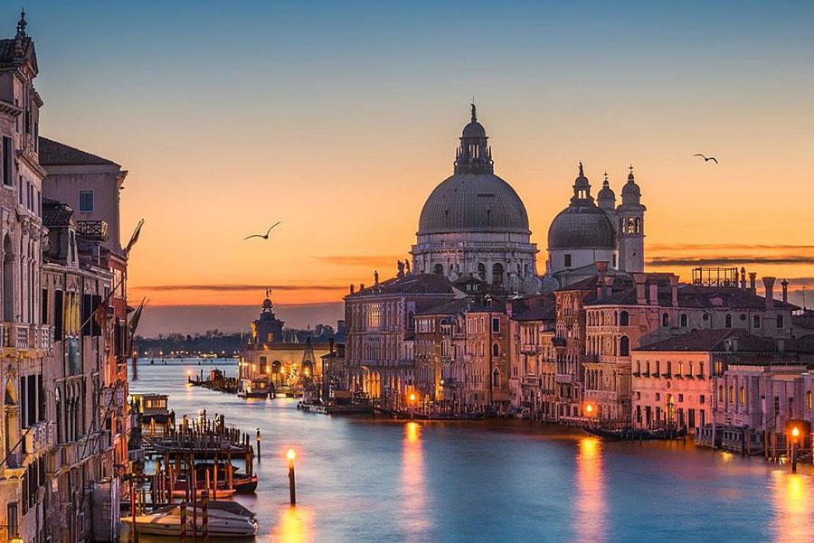 调查:欧洲知名城市旅游花费价格下跌