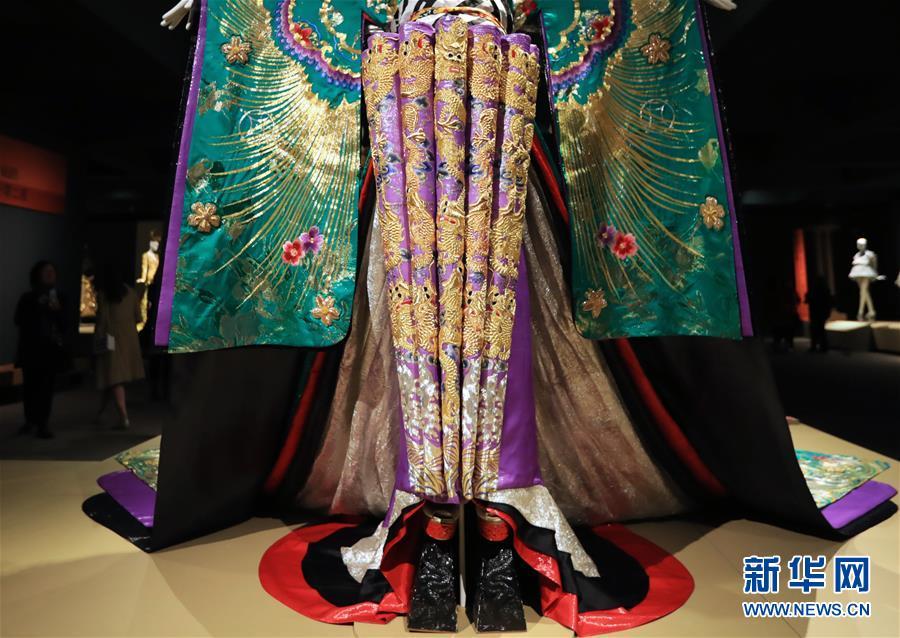 中国文化是我的艺术创作之源——访中国著名时装设计师郭培