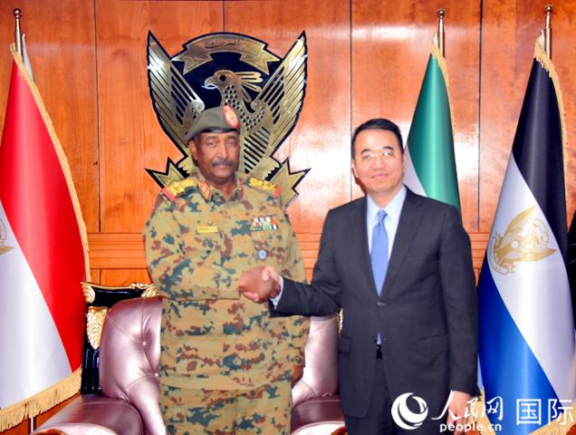 马新民大使会见苏丹过渡军事委员会主席布尔汉