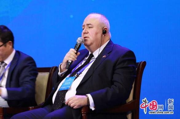星野亚希图片欧美同学会国际智库论坛召开外国学者:中国未来会创造更大奇迹