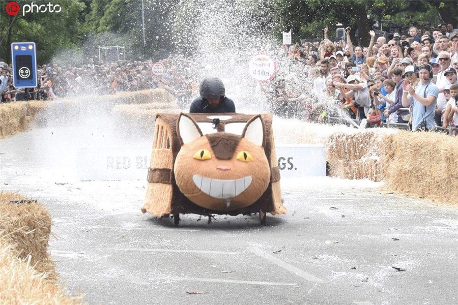 脑洞大开!英国伦敦举办肥皂盒汽车大赛