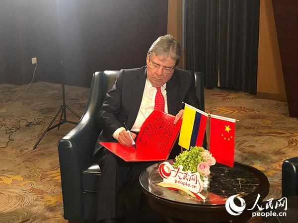 大兴机场建设速度和上海港的自动化反映中国实力
