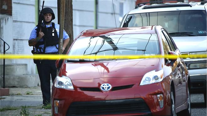 美国费城发生枪击案 数名警察受伤