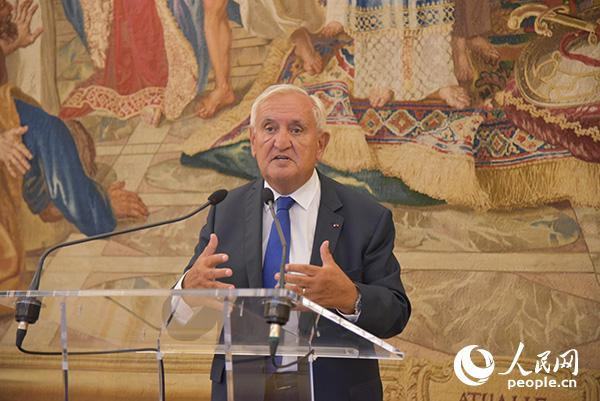 """法國展望與創新基金會主辦的""""新興國家主題晚宴""""3日晚在巴黎舉行"""