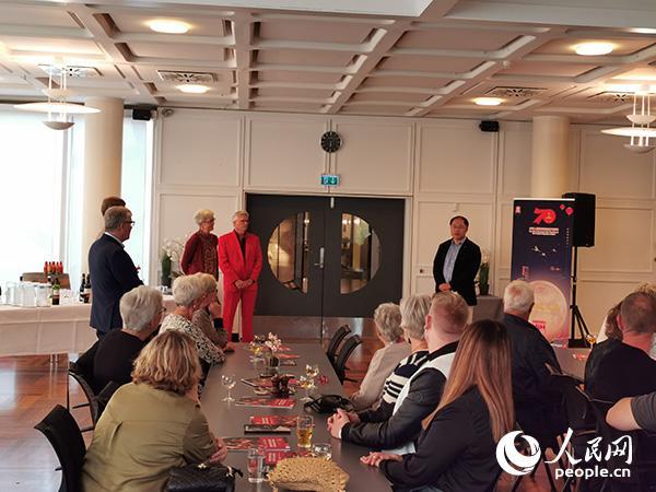 哥本哈根中国文化中心文艺晚会 展中国传统节庆文化