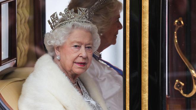 英女王出席英国新一届议会开幕仪式