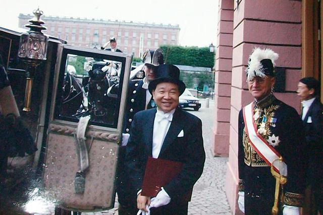 吕凤鼎回忆在密克筹建大使馆的艰辛往事