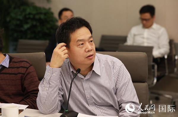 刘东:一带一路建设推动人民币国际化再上新台阶