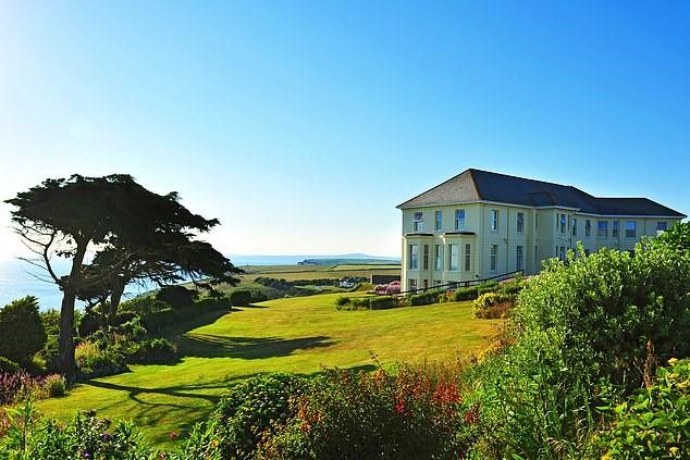 悬崖酒店的魅力:欣赏壮观的大西洋美景