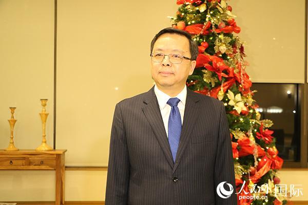 新任驻菲律宾大使黄溪连抵菲履新