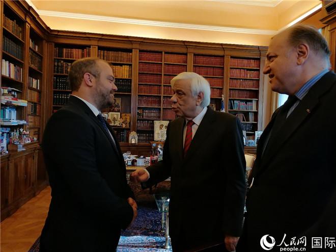 希腊总统府图书馆永久收藏齐白石精装画册