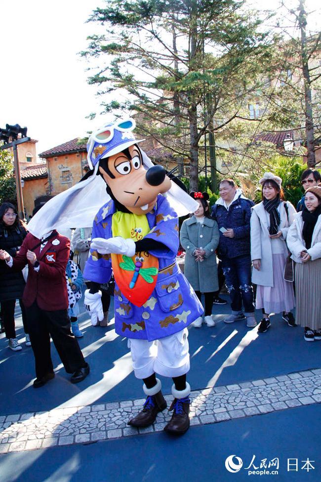 迪士尼经典卡通人物现身在东京迪士尼海洋乐园。(李沐航摄)