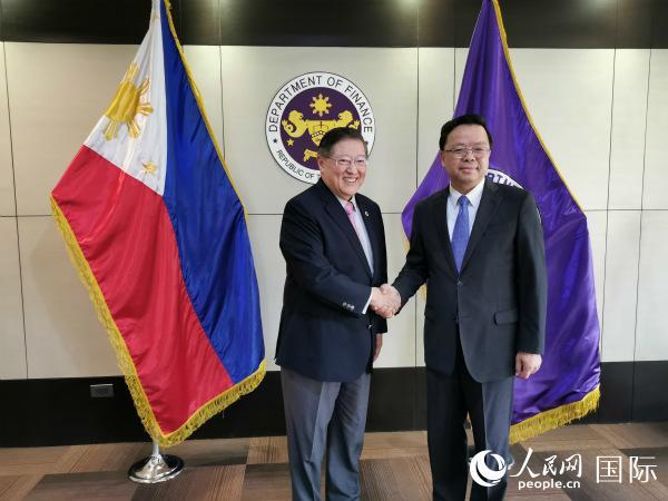 菲律宾财长:对中国经济发展前景充满信心