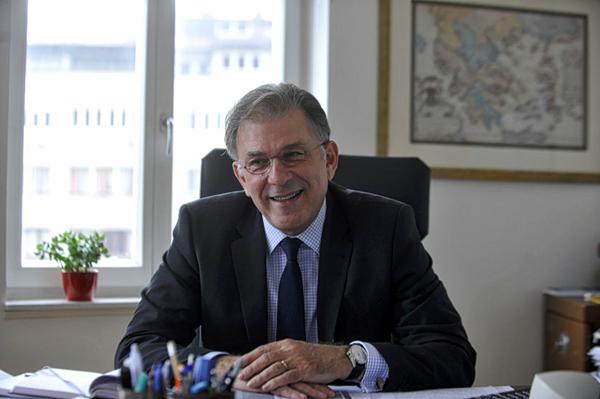 """希腊驻华大使:中国""""两会""""意义非凡,两国未来合作将更加紧密"""
