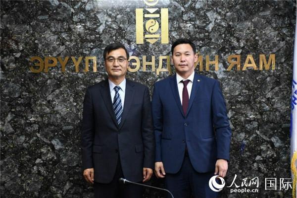 蒙古国卫生部长:愿继续同中方携手合作早日战胜疫情