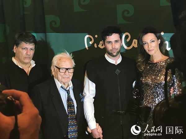 回顾皮尔·卡丹一生的纪录片《卡丹之家》在法国上演