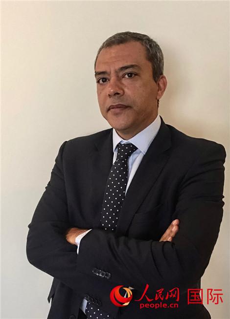 非洲通讯规模专家萨西(Abdessattar Sassi)
