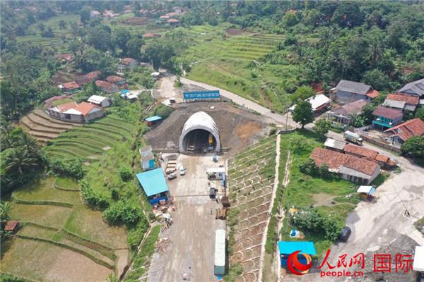 印尼雅万高铁7号隧道顺利贯通