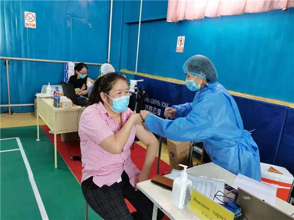 在蒙古国一家中资企业员工基本实现国产新冠疫苗接种全覆盖