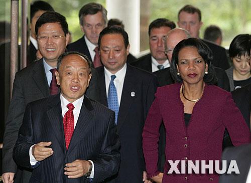 李肇星呼吁各方采取积极行动恢复六方会谈--国