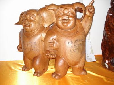 老挝木雕工艺品双猪