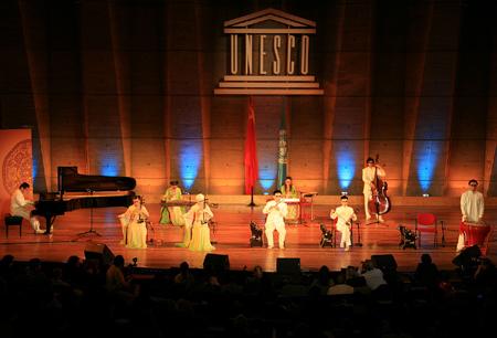 金元辉,毛镝,王宾,刘涛和盲人乐队用民族乐器与钢琴的交流,让音乐图片