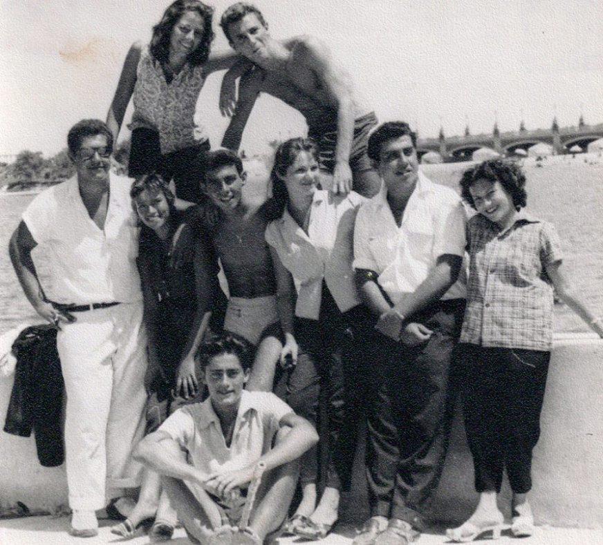 广场沙滩:令人惊艳的埃及最裙子迷人的性感消高清组图性感舞图片