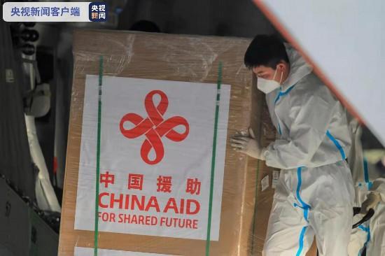 中国新冠疫苗运抵菲律宾杜特尔特赴机场迎接